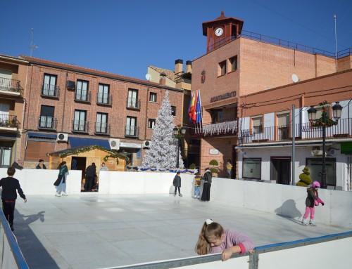 Pista de patinaje de hielo sintético gratuita hasta el próximo 29 de diciembre en la Plaza de la Constitución