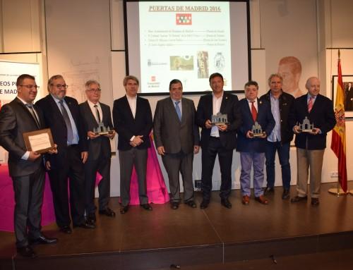 """El Ayuntamiento de Humanes de Madrid galardonado con el Trofeo """"Puerta de Alcalá"""""""