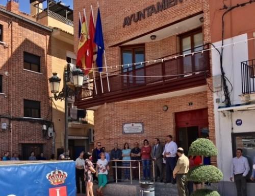 El Ayuntamiento de Humanes de Madrid guarda un minuto de silencio en memoria de las víctimas del atentado en Manchester