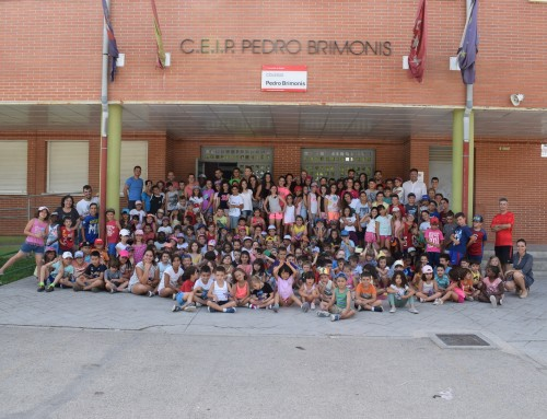 El alcalde de Humanes de Madrid visita los Campamentos Urbanos de Verano