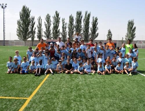 """Más de un centenar de niños participa en el IV Campus de Fútbol """"Humanes de Madrid"""""""