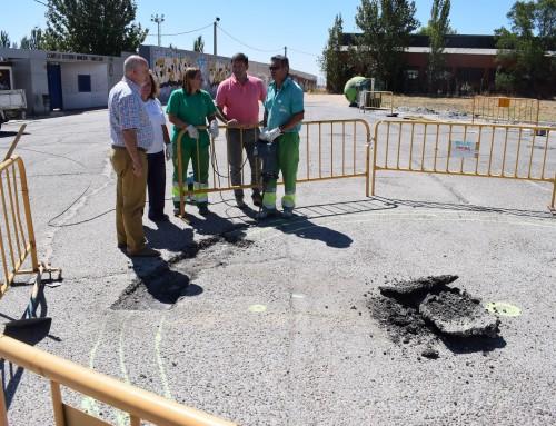 José Antonio Sánchez visita las obras de la nueva rotonda de la Calle Valdehondillo
