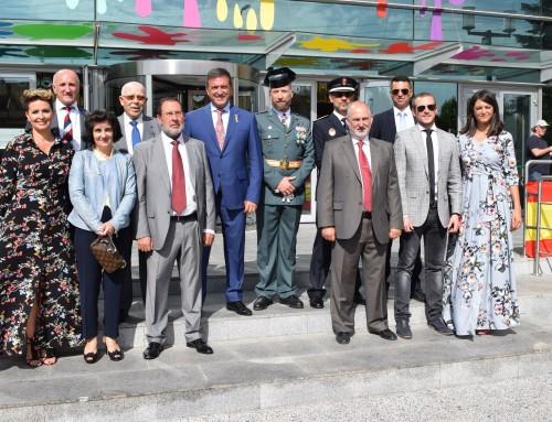 El equipo de Gobierno del Ayuntamiento de Humanes de Madrid asiste a los actos de celebración de la Guardia Civil de Arroyomolinos