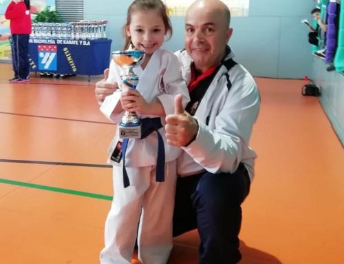 Sofía Martínez, alumna de la Escuela de Karate  Humanes, Campeona de Madrid de Katas con tan solo 5 años