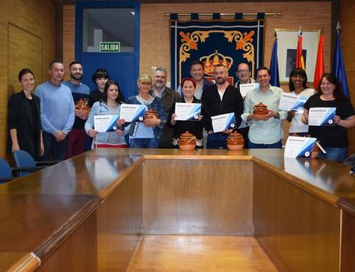 Reconocimiento a los bares y restaurantes que han participado en la IV Ruta de la Cazuela de Humanes de Madrid