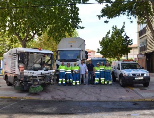 Plan de limpieza especial para reforzar los contenedores soterrados, acerados y baldeos en las calles..