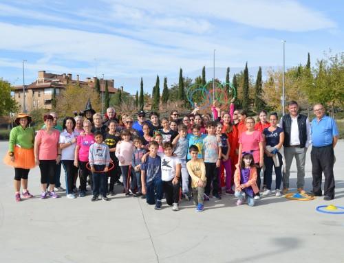 Familias de Humanes de Madrid celebran el día de Halloween con una clase de actividad física gratuita