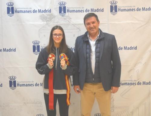 Recepción en el ayuntamiento de Humanes de Madrid para recibir a la campeona de España junior de boxeo en 52 kg.