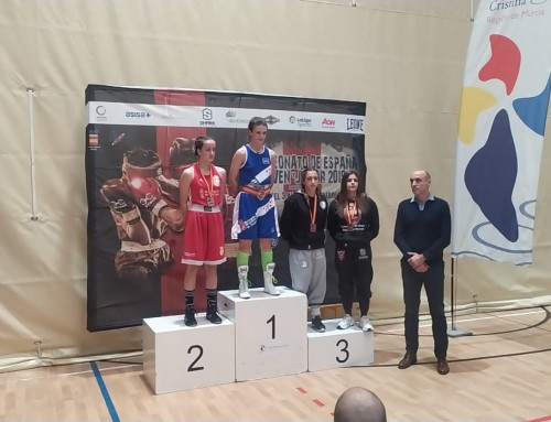 Iratxe Vals del Valle, vecina de Humanes de Madrid  campeona de España junior de boxeo en 52 kg.