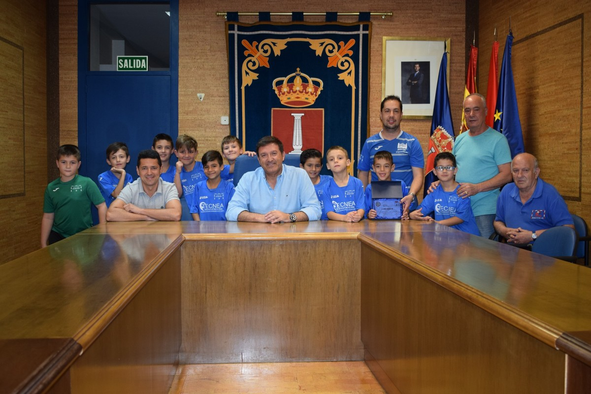 La federaci n madrile a de f tbol sala elige a david for Federacion de futbol sala