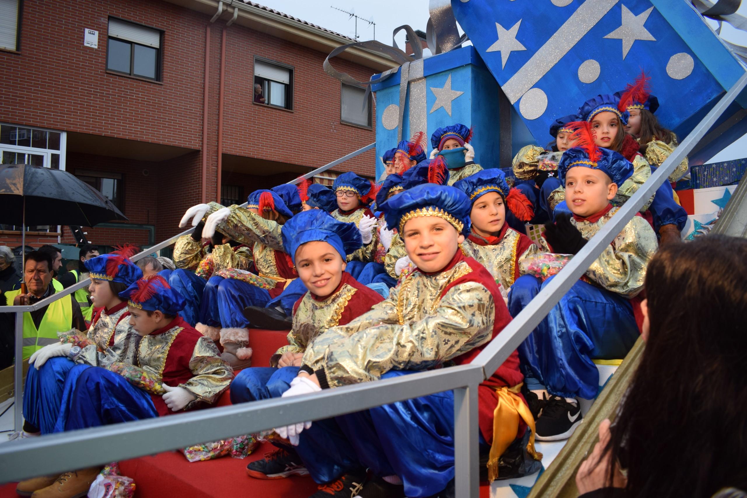 La concejalía de Festejos te anima a participar en la Carroza Real del 5 de enero en Humanes de Madrid.