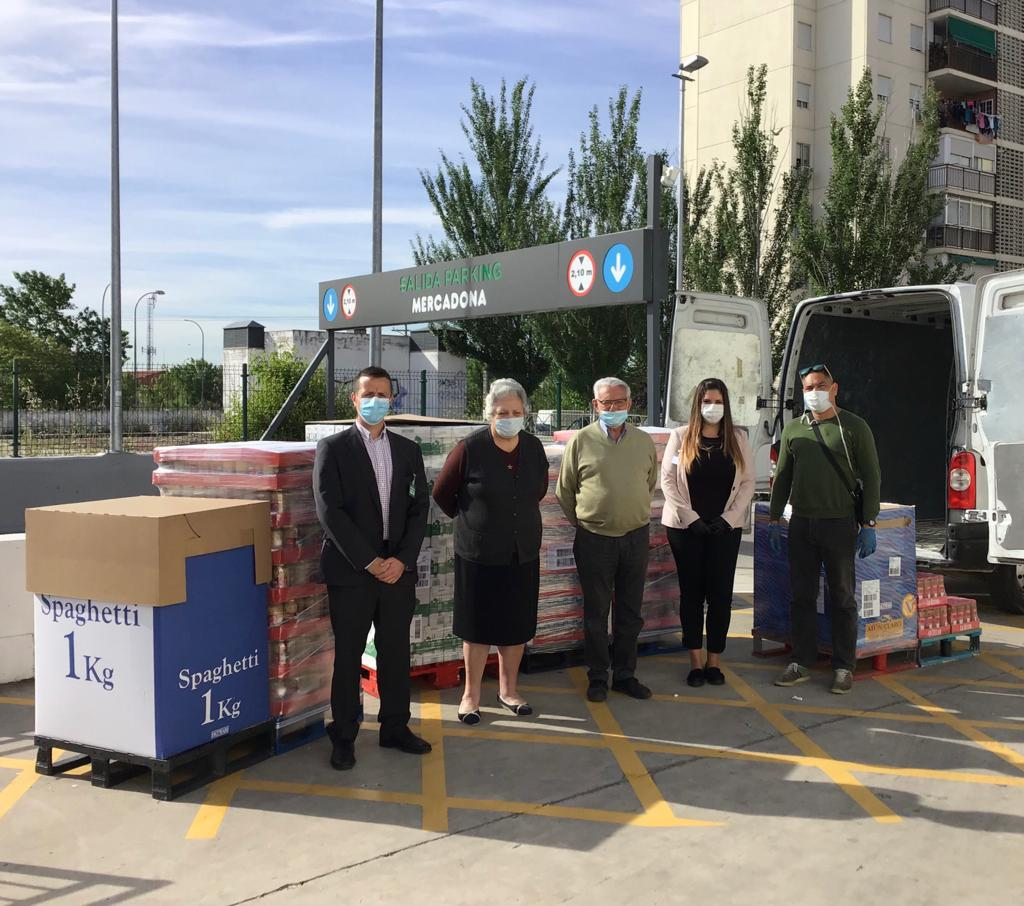 Mercadona dona 3.200 kg de productos de primera necesidad al Comedor parroquial Nazaret de Humanes de Madrid.