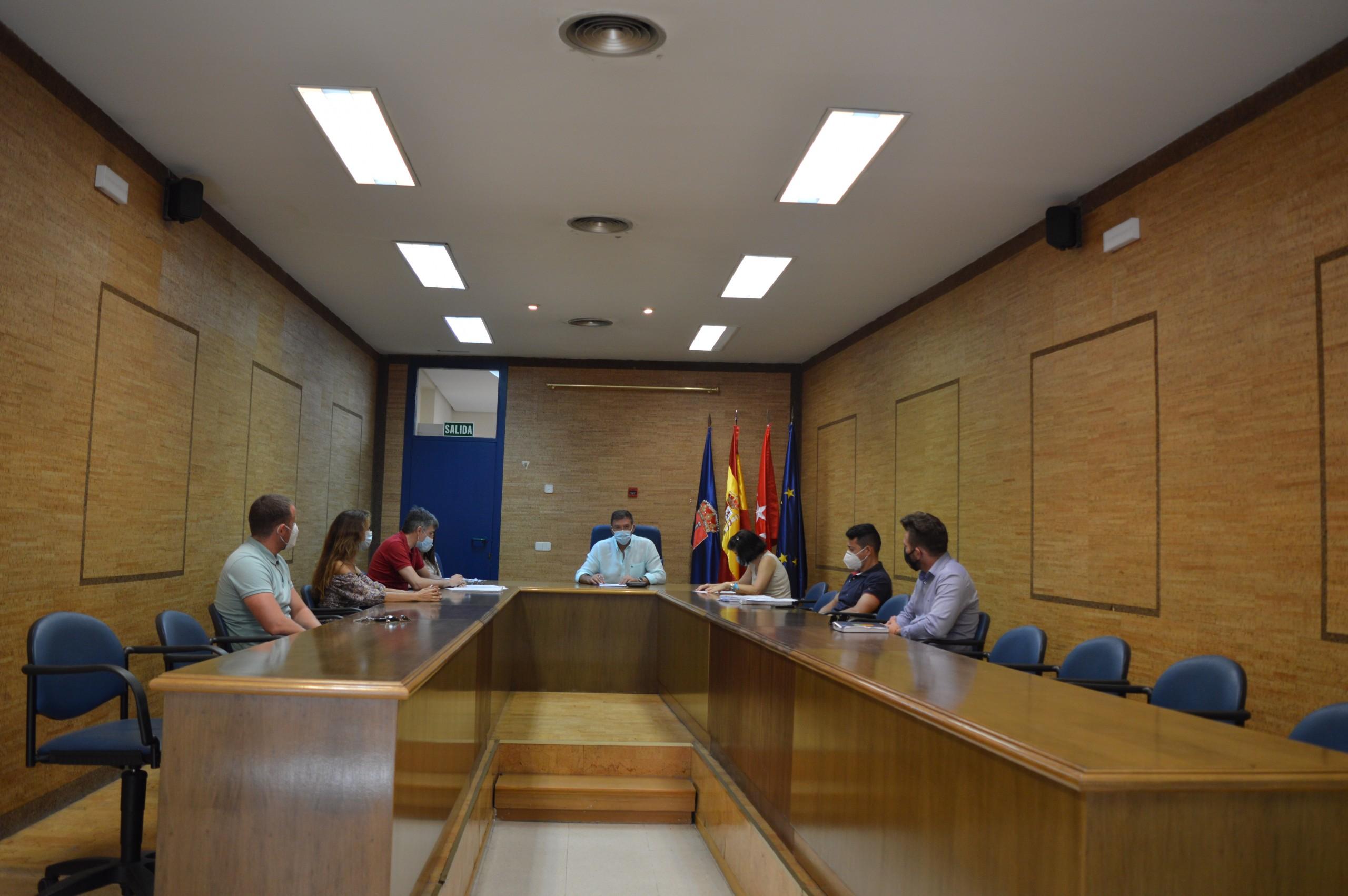 La Junta de Gobierno Local aprueba más ayudas económicas destinadas a personas afectadas por un ERTE, ERE o despido por el Covid-19.