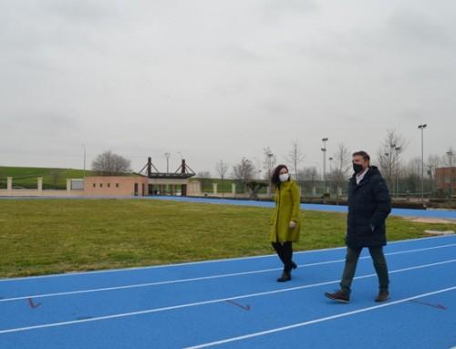 Inaugurada la pista de entrenamiento de atletismo en el complejo deportivo Vicente Temprado