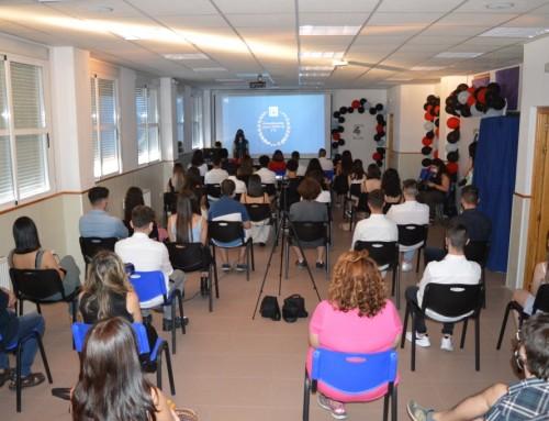 Finalizan los actos de graduación con la celebración de la imposición de bandas a los alumnos de 4º de la ESO en el IES Humanes.