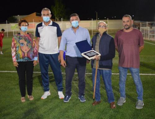 El CD Humanes rinde homenaje a José  Antonio Álvarez Ruiz, socio número 1 del club